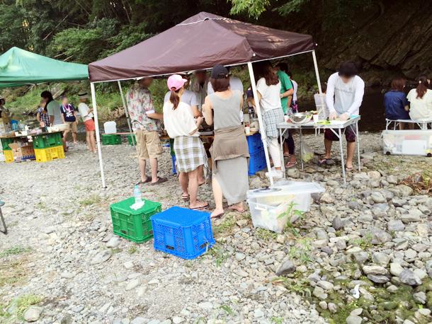 埼玉嵐山渓谷自然体験学習スペイン料理川遊びグループ