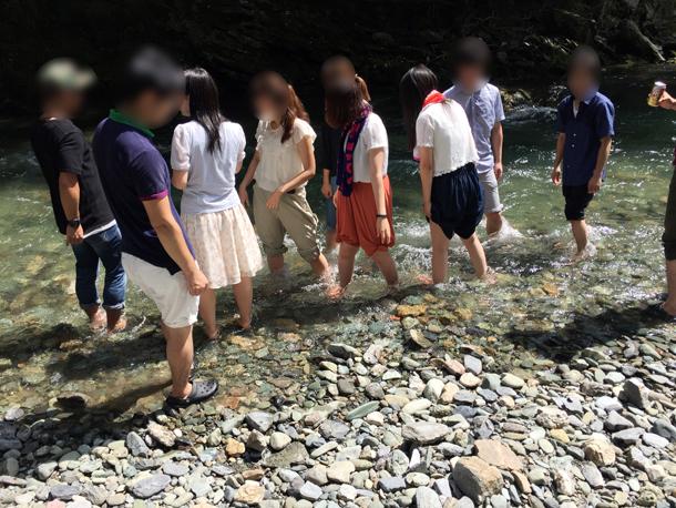 埼玉嵐山渓谷自然体験学習スペイン料理川遊び癒し