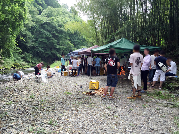 埼玉嵐山渓谷自然体験学習スペイン料理川遊び河原